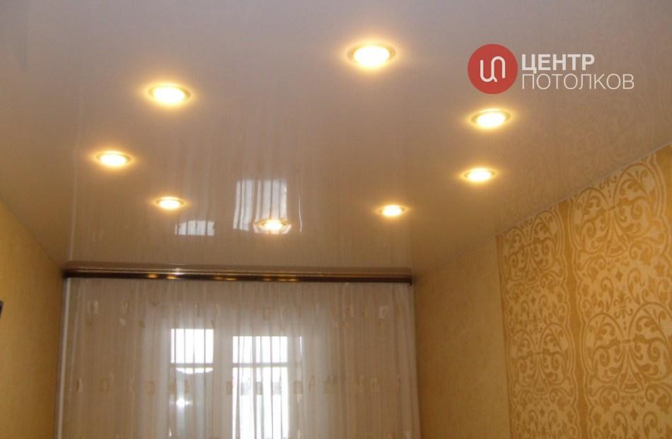 Точечное освещение в натяжном потолке